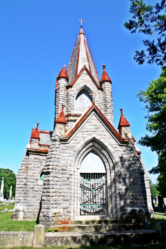 Stonington Cemetery Crypt